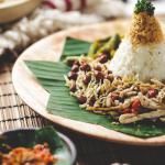 Nasi Ayam Sambal Matah khas Nasi Kentjana Wolter Monginisidi