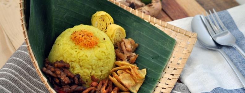 Nasi Kuning Spesial